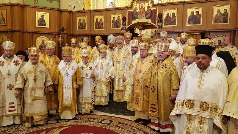 Bischöfe in Lungro-Foto Dmytryk