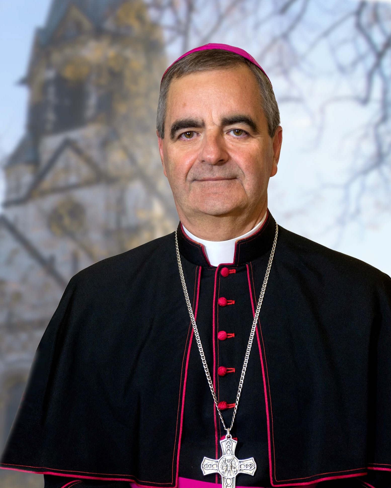 Nuntius-B.Eterovic